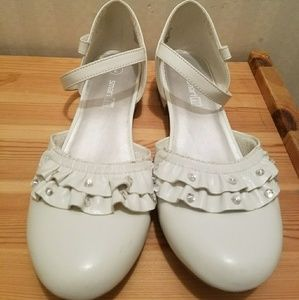 Other - Size 2 White shoes for party or communion